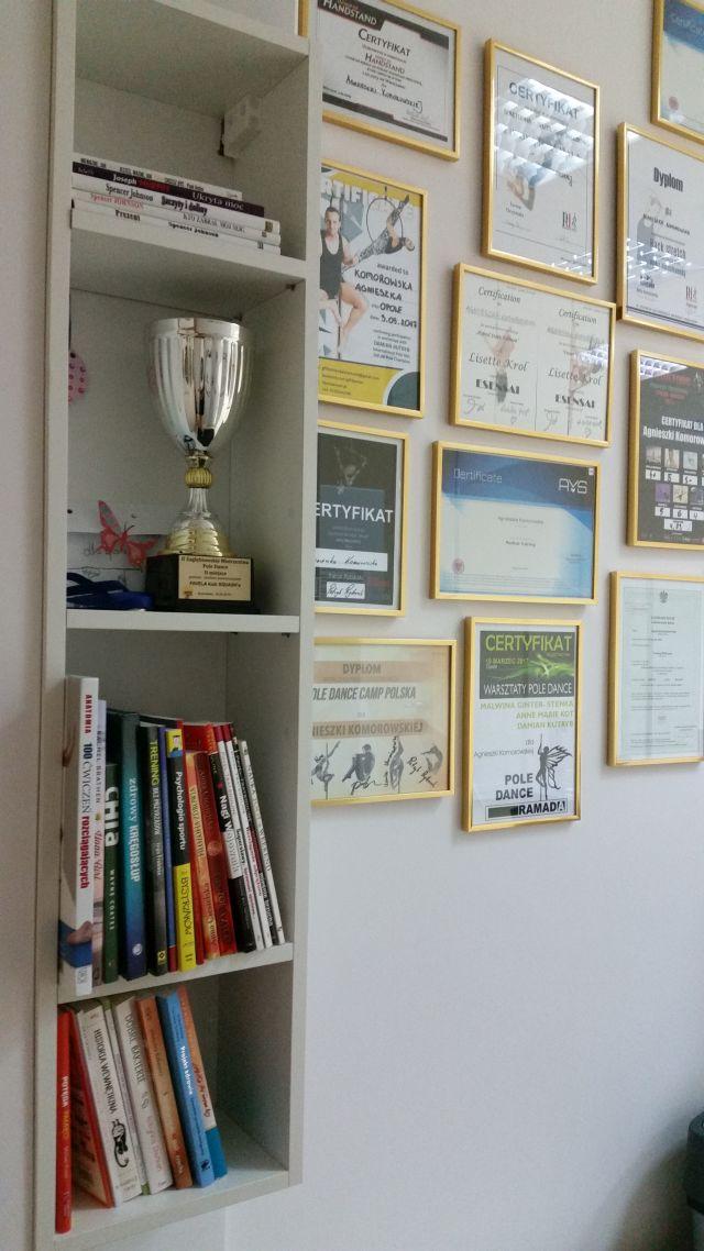 Po treningu zapraszamy do naszej biblioteczki, w której oferujemy tylko przeczytane przez nas i godne polecenia książki 📖