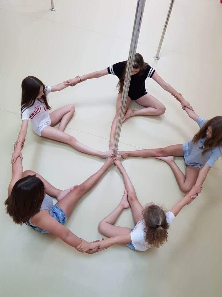 Tak bawią się nasze najmłodsze podopieczne 😋 🌟