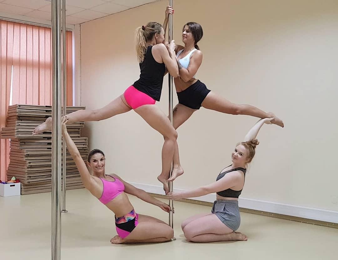 Każda z nas doskonale wie jak efektywny jest wspólny trening, dlatego bardzo chętnie ćwiczymy w grupie!