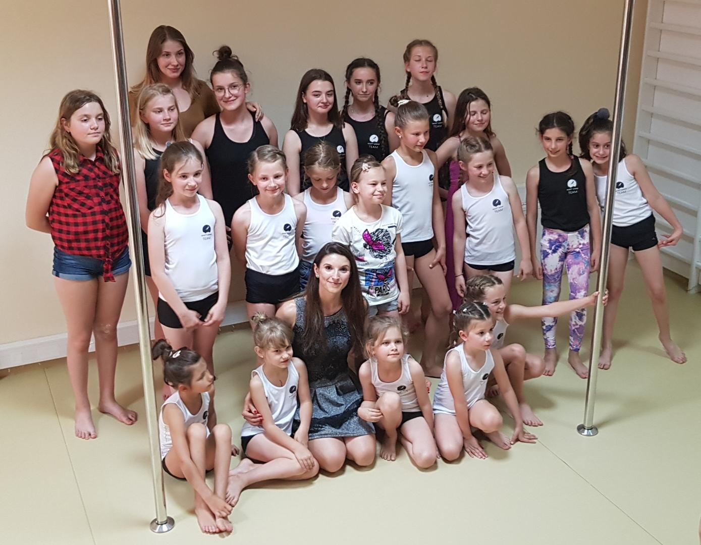 Występy pole dance kids  👏 👏